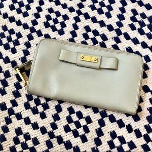 Badgley Mischka Wallet Full Zip clutch bag